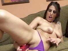 Lavender Rayne makes herself cum with a dildo