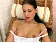Cutie Pavlina makes her pussy wet and juicy