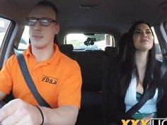 Busty chick Jasmine Jae bangs driving instructor