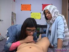 Skinny teen model fucked xxx BJ Lespatron's sons with Mia Khalifa